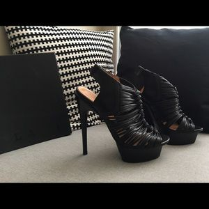 L.A.M.B Charisma Platform Sandals Size 9